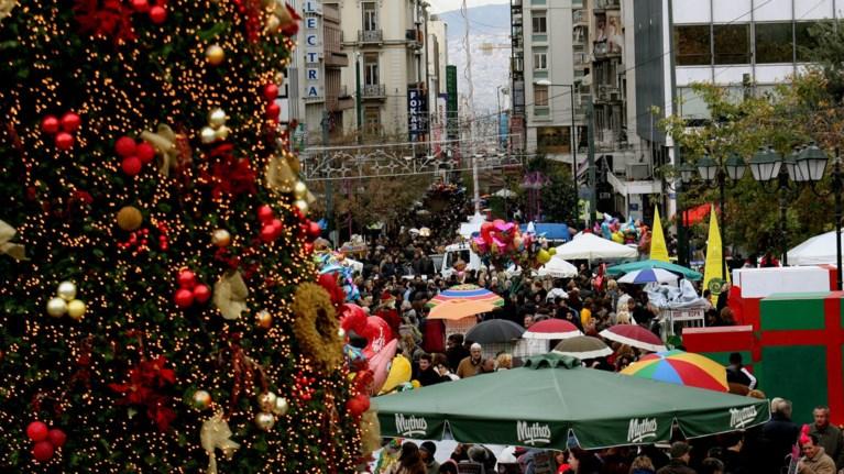 Tρεις Κυριακές θα είναι ανοιχτά τα καταστήματα τις γιορτές