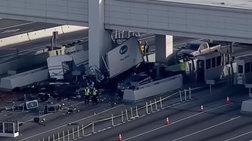 ΗΠΑ: Τρομακτική σύγκρουση φορτηγού στα διόδια, μια νεκρή   - video