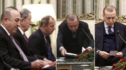 Tα «σκονάκια» του Τσαβούσογλου στον Ερντογάν στον καβγά με τον Παυλόπουλο