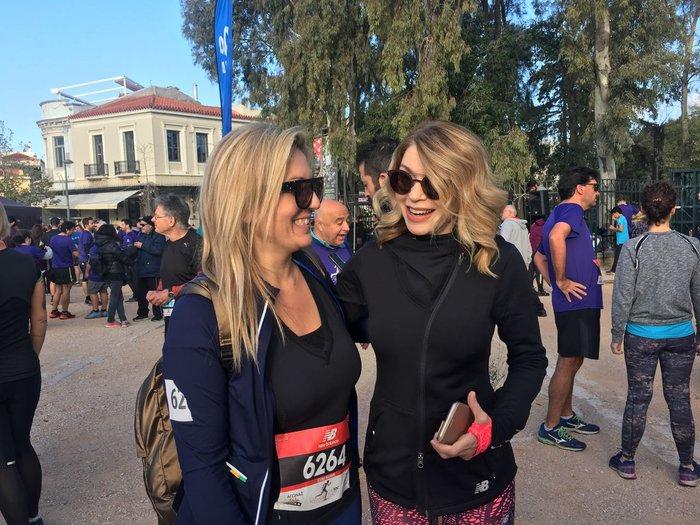 Η Ελλη Στάη μαζί με τη δημοσιογράφο του TOC Ελίνα Μαμμή