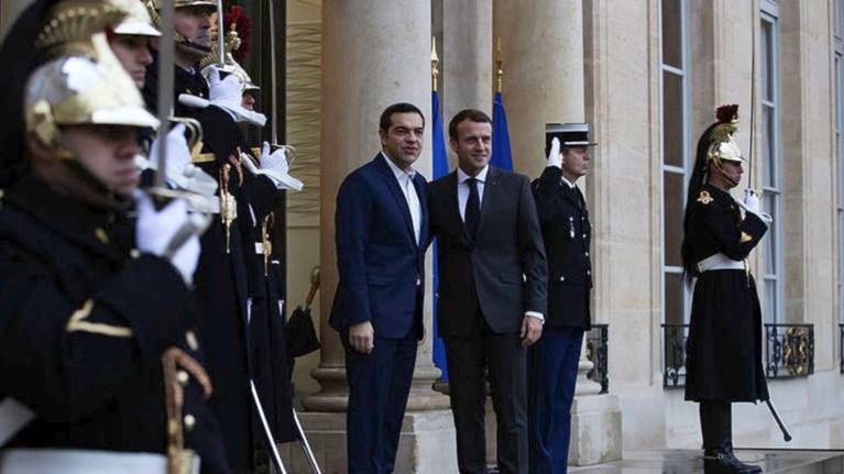 sto-parisi-o-tsipras-gia-ti-diaskepsi-korufis-me-thema-to-klima