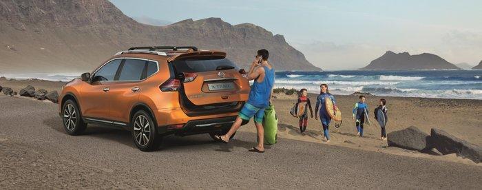 Η πίσω πόρτα ανοίγει χωρίς χέρια για τα ψώνια αλλά και για την παραλία!