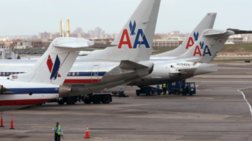 i-american-airlines-mplokare-epibati-gia-katepsugmeno-mitriko-gala