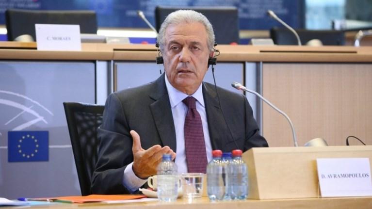 politico-abramopoulos-o-epitropos-pou-ebale-freno-ston-tousk
