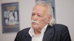 sto-pleuro-tis-athens-review-of-books-glezos-kai-korobesis