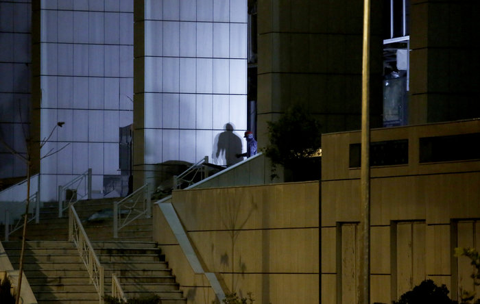 Την Ομάδα Λαϊκών Αγωνιστών «βλέπει» η ΕΛΑΣ πίσω από την βόμβα στο Εφετείο - εικόνα 3