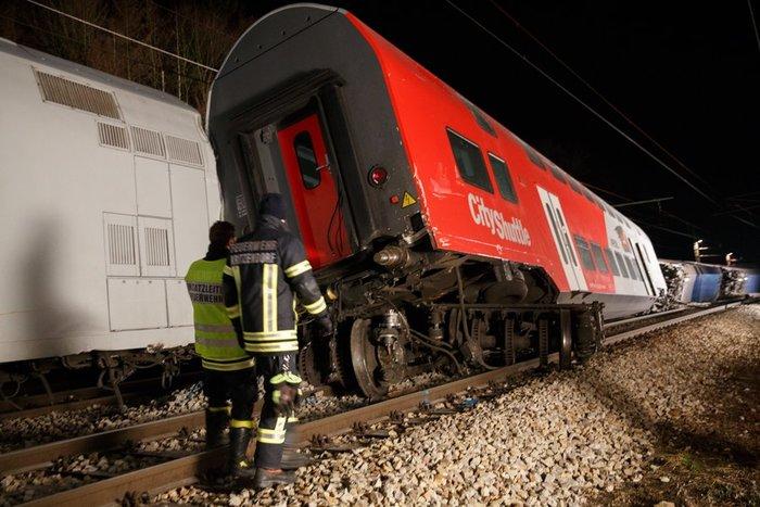 Σύγκρουση τρένων στην Αυστρία: Τουλάχιστον 8 τραυματίες