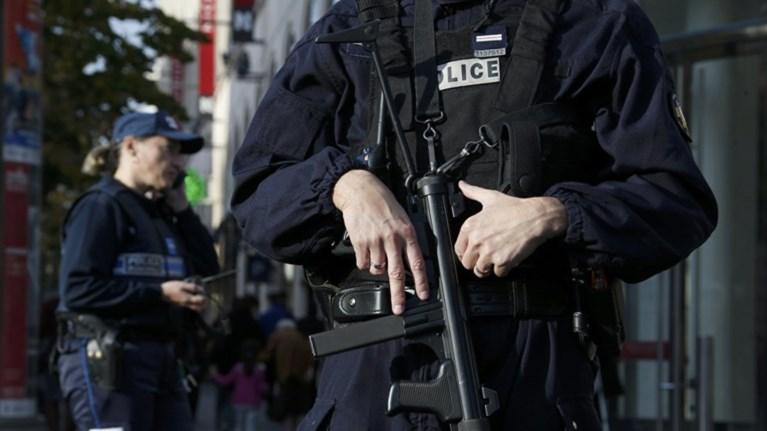 Σε συναγερμό η Γαλλία τα Χριστούγεννα -100.000 αστυνομικοί στους δρόμους
