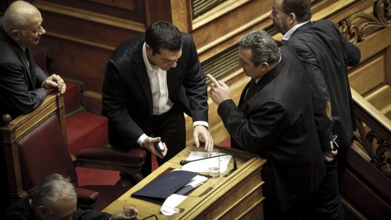 arxisan-ta-baria-sunnefa-ston-gamo-tou-tsipra-me-ton-kammeno