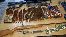Ηράκλειο: Αρχαία νομίσματα και όπλα βρέθηκαν σε αστυνομική έφοδο σε σπίτι