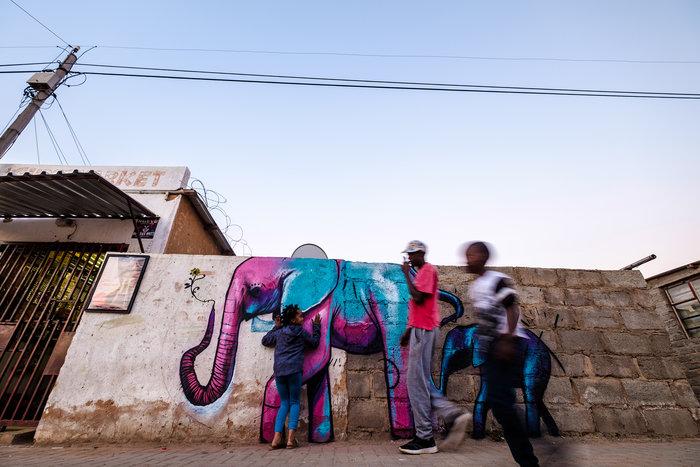 Μαμελόντι, Δυτική Αφρική