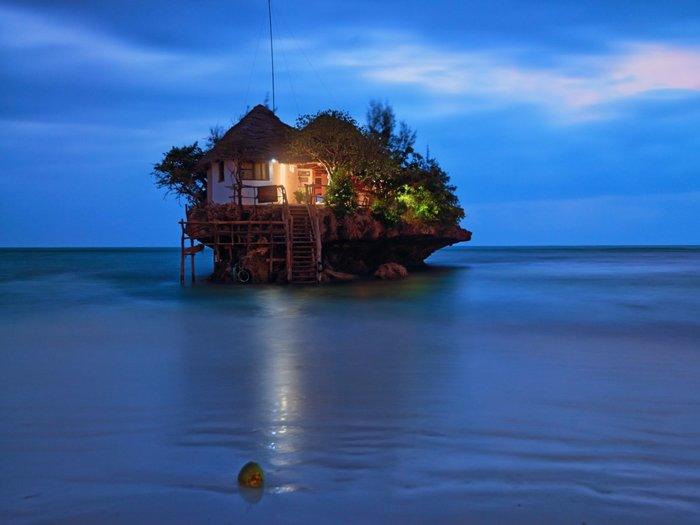 Το Τhe Rock Bar κάπου στον Ινδικό Ωκεανό