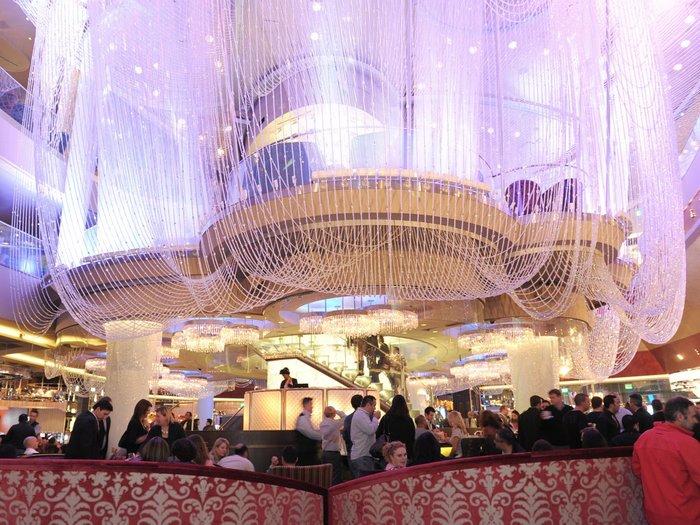 Το Chandelier Bar στο Cosmopolitan Hotel του Las Vegas