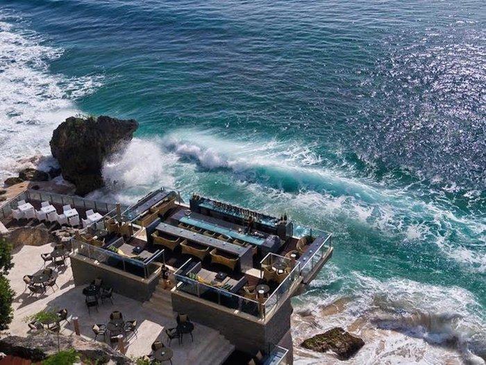 Το Rock Bar στην Kuta του Bali