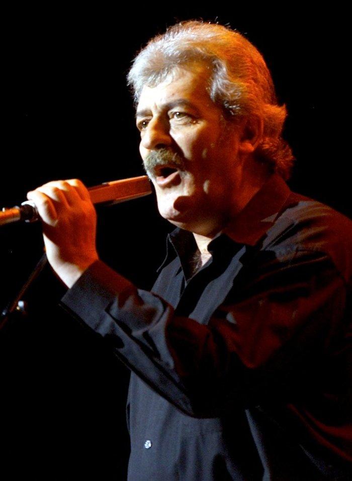 """""""Έφυγε"""" στα 76 του ο τραγουδιστής των Moody Blues (ΒΙΝΤΕΟ)"""
