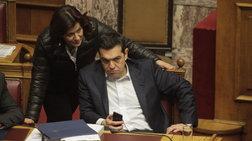 Νέες γκρίνιες και μασάζ στον ΣΥΡΙΖΑ για τα επιδόματα-Το μπαλάκι στον Τσίπρα