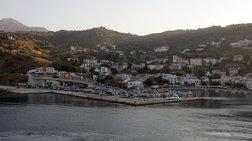 Από τα μποφόρ άνοιξε στη μέση ο νέος μόλος στο λιμάνι του Εύδηλου Ικαρίας