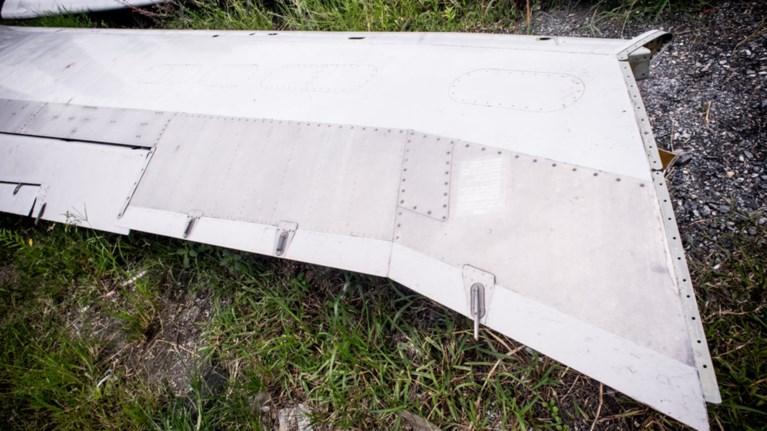 elikoptero-diaswsis-sugkroustike-ston-aera-me-mikro-aeroplano-4-nekroi