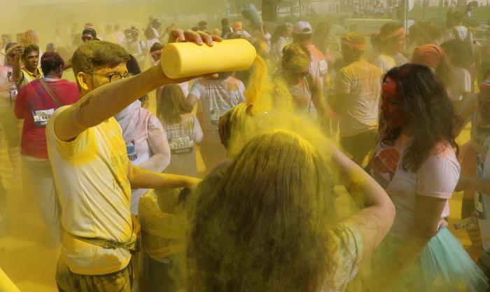 Colour Run στη Ντόχα-Μαραθώνιος με χρώμα