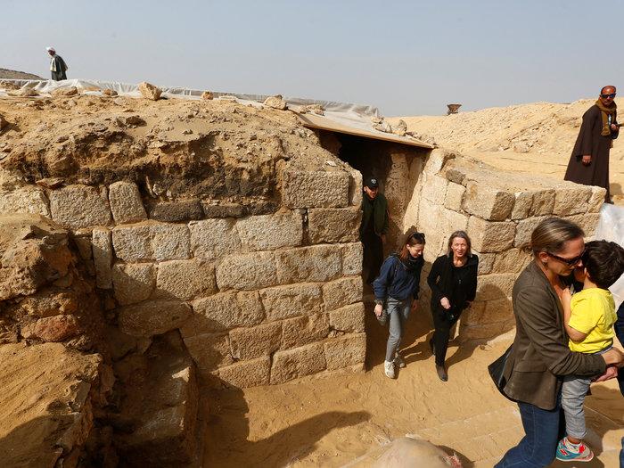 Η είσοδος του τάφου