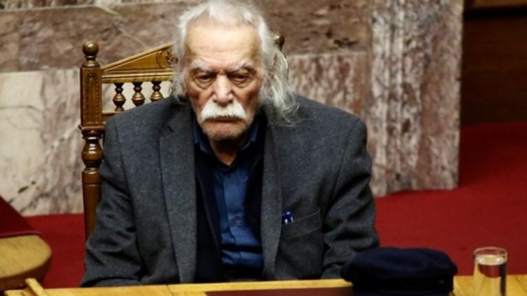 glezos-oi-skopianoi-na-ksexasoun-ti-leksi-makedonia