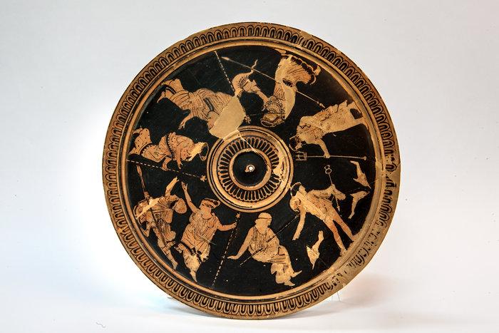 Αττική ερυθρόμορφη πυξίδα (425 π.Χ.) © ΕΑΜ, Ε. Γαλανόπουλος