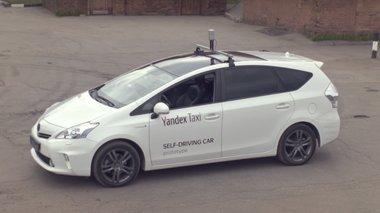 test-drive-gia-to-prwto-taksi-xwris-odigo-sti-mosxa