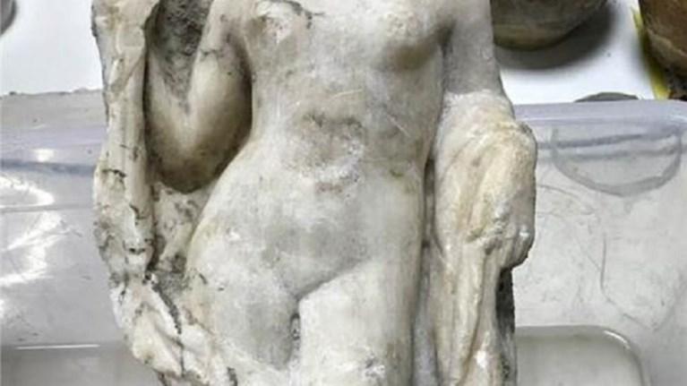 akefalo-agalma-tis-afroditis-brethike-sto-metro-tis-thessalonikis