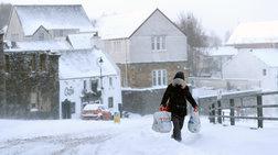 Στους 60 οι νεκροί από τον χιονιά στην Ευρώπη [εικόνες]