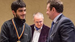 Γιώργος Καμπάνης: Κατέκτησε το χρυσό στη 12η Μαθηματική Ολυμπιάδα