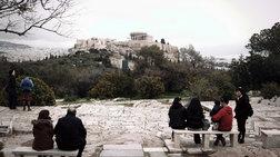summoria-listeue-polites--touristes-ston-arxaiologiko-xwro-tis-akropolis
