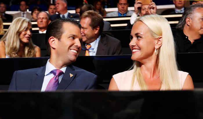 Αίτηση διαζυγίου κατέθεσε η σύζυγος του Τραμπ Jr - εικόνα 4