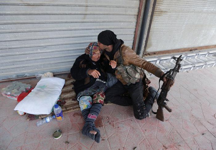 Βανδαλισμοί στο Αφρίν,έριξαν άγαλμα που συνδέεται με την κουρδική παράδοση - εικόνα 5