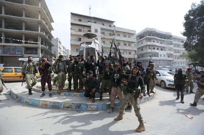 Βανδαλισμοί στο Αφρίν,έριξαν άγαλμα που συνδέεται με την κουρδική παράδοση - εικόνα 3