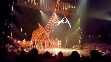 tragikos-thanatos-akrobati-tou-cirque-du-soleil