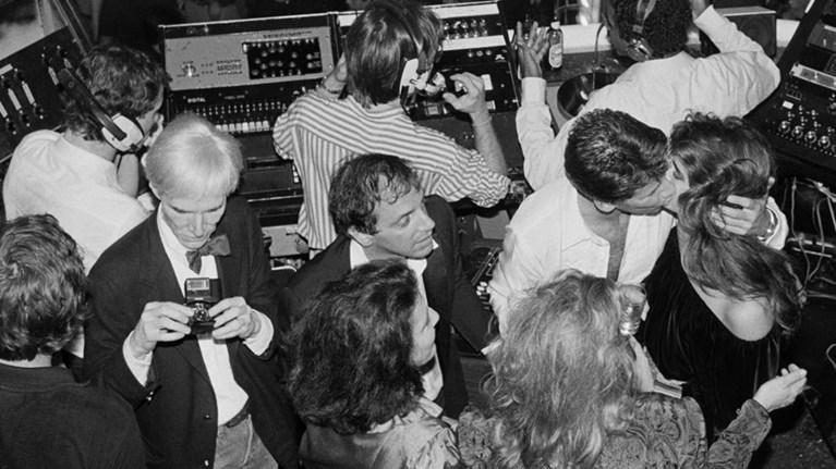 Night Fever: Τα νάιτ κλαμπ από το '60 έως σήμερα σε μια έκθεση