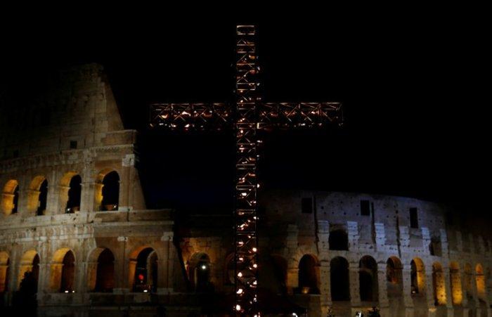 Οικογένεια από τη Συρία θα μεταφέρει τον Σταυρό στο Κολοσσαίο - Eικόνες - εικόνα 4