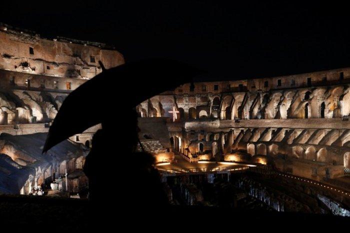 Οικογένεια από τη Συρία θα μεταφέρει τον Σταυρό στο Κολοσσαίο - Eικόνες - εικόνα 5