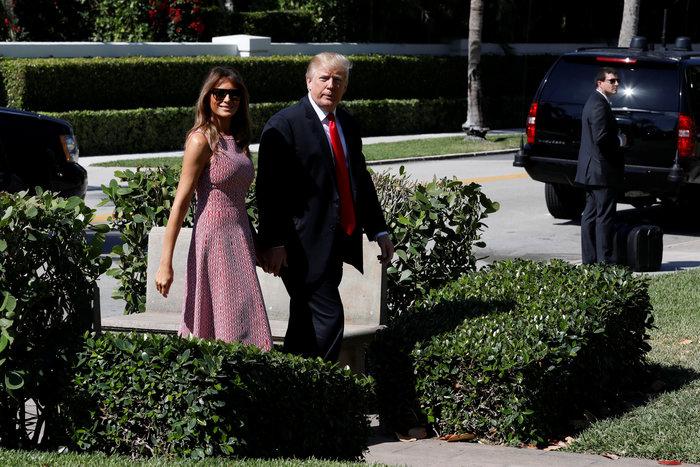 Σε ροζ και γαλάζιες αποχρώσεις η Μελάνια Τραμπ στον Λευκό Οίκο - εικόνα 2