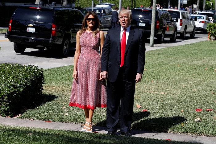 Σε ροζ και γαλάζιες αποχρώσεις η Μελάνια Τραμπ στον Λευκό Οίκο - εικόνα 4