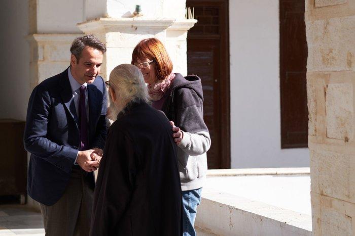 Ο Κυριάκος Μητσοτάκης στην Παναγία της Τήνου με την Μαρέβα (phoτο) - εικόνα 3
