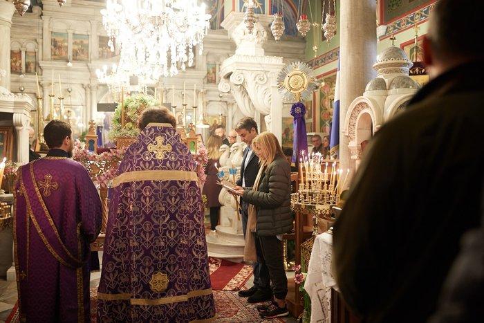 Ο Κυριάκος Μητσοτάκης στην Παναγία της Τήνου με την Μαρέβα (phoτο) - εικόνα 4