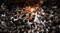 Χιλιάδες πιστοί έλαβαν το Άγιο Φως από τον Πατριάρχη