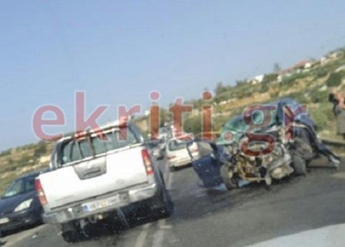 Σφοδρή σύγκρουση ΙΧ με τραυματίες Κρήτη - Ανάμεσά τους δύο παιδιά (φωτό)