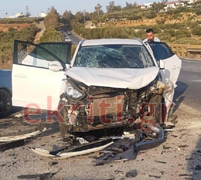 Σφοδρή σύγκρουση ΙΧ με τραυματίες Κρήτη - Ανάμεσά τους δύο παιδιά (φωτό) - εικόνα 3