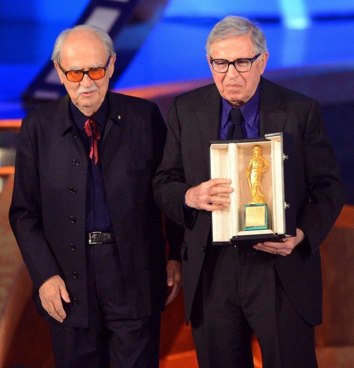 Παραλαμβάνοντας το βραβείο Καλύτερης Σκηνοθεσίας  David di Donatello για την ταινία Cesare deve morire