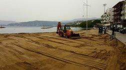 Ετοιμάζονται για το καλοκαίρι και στρώνουν άμμο σε παραλίες  Βίντεο