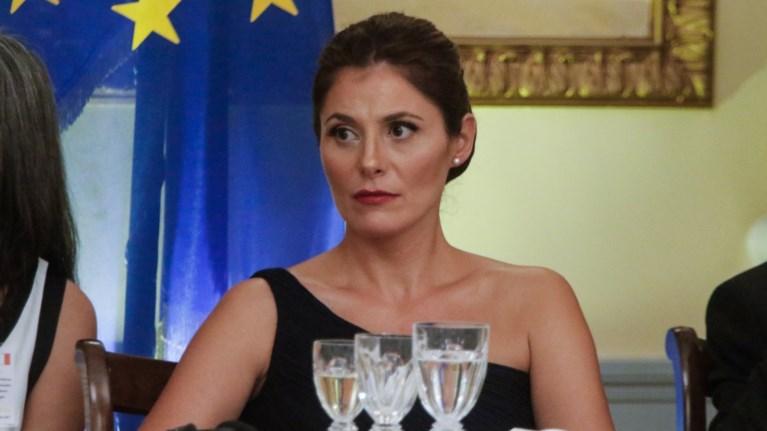 politiki-antiparathesi-gia-ti-thesi-tis-mpaziana-sto-emp