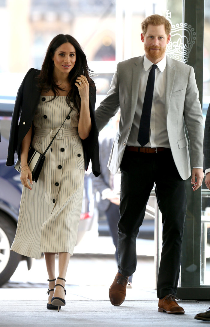 Γιατί η Κέιτ Μίντλετον δεν θα φορούσε ποτέ το ριγέ φόρεμα της Μαρκλ - εικόνα 2