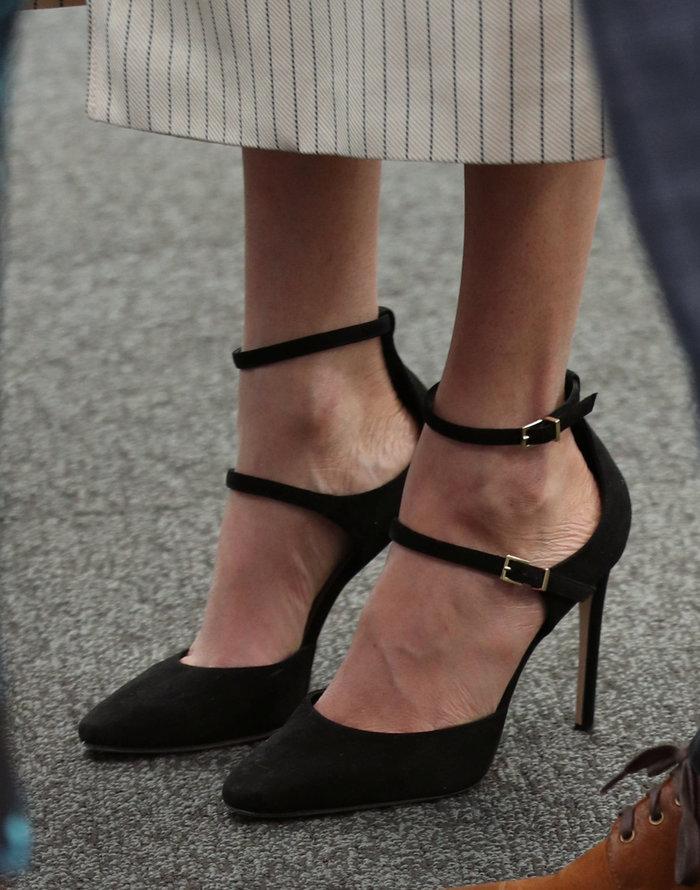 Γιατί η Κέιτ Μίντλετον δεν θα φορούσε ποτέ το ριγέ φόρεμα της Μαρκλ - εικόνα 4